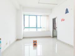 长丰苑 长丰苑:精装一房,可改两房。满五年,红本无税。二手房效果图