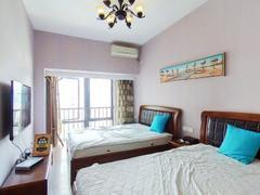 嘉洲富苑 2013年房,精装修,停车比较方便,随时方便看房