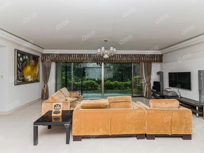 观景赛维纳 精装6房、198平带大花园看房方便