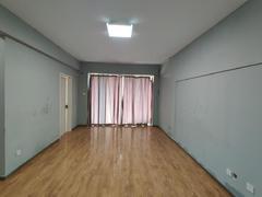 龙光城南区二期 南北大三房带家私家电,可以拎包入住租房效果图