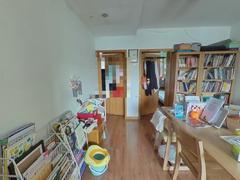 中兴公寓 2室2厅71.2m²普通装修二手房效果图