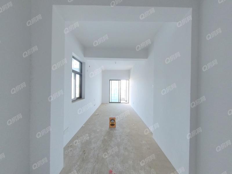 新地中央 光明6号线出口小区一房出售,通燃气,带阳台