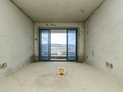 凯峰雅园 临深300米 锦绣壹号 对面 毛坯大两房出售二手房效果图