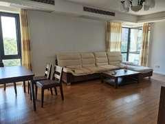 彩虹城 3室2厅157m²整租租房效果图
