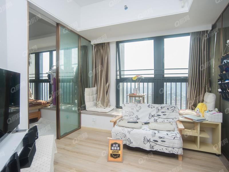 宏发嘉域 急售精装1房1厅,家私家电齐全,温馨舒适