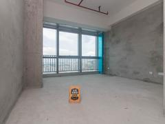 六和城 益田假日广场楼,带卫生间可居家写字楼,全景落地窗租房效果图