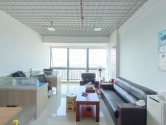 六和城 1室0厅50.5m²普通装修二手房效果图