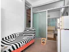 旭飞花园 1室1厅0厨1卫29.61m²整租租房效果图