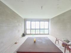 三水公寓 4室2厅151.91m²毛坯二手房效果图