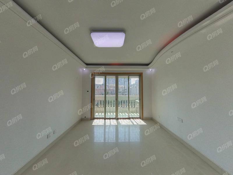 东源阁A区 业主诚意出售舒适8房看房方便业主急卖带大露台