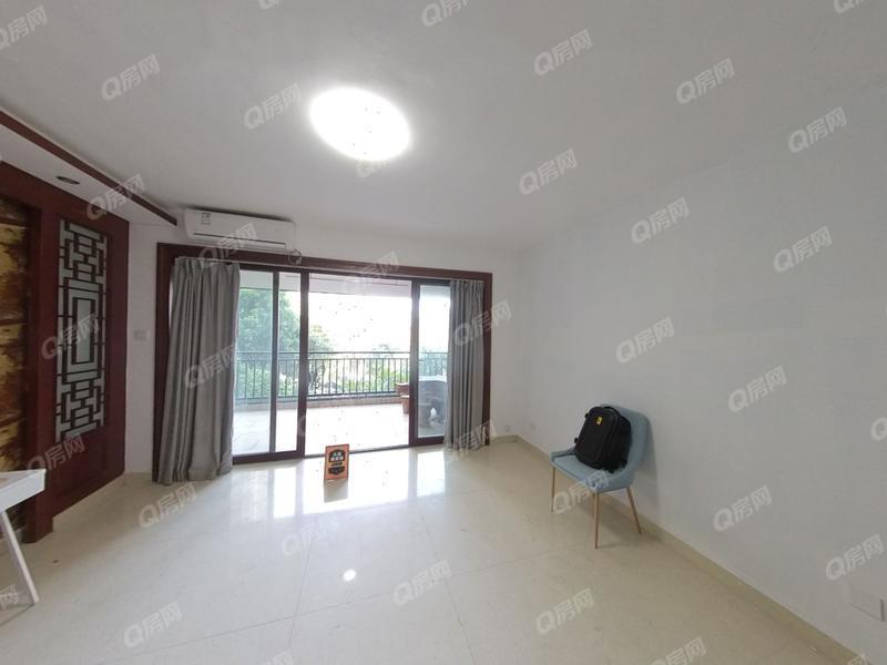 康达尔蝴蝶堡 5室2厅1厨2卫104.0m²精致装修