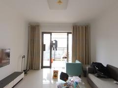 龙光城北区八期 临深精装4房 家电齐全拎包入住 沃尔玛公交站租房效果图