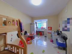 鹏益花园 1室1厅68m²满五年二手房效果图