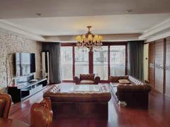 新港鸿 4室2厅164m²整租租房效果图