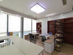 满京华喜悦里华庭 1室0厅95m²精装修二手房效果图