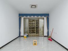 龙光城南区四期 临深大盘 靠近学校 楼下就是沃尔玛 急卖二手房效果图
