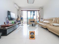 中海塞纳时光 高楼层 带家私电 户型方正 通风采光 保养好租房效果图
