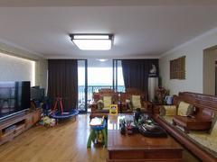 华业玫瑰郡 4室2厅153m²普通装修二手房效果图