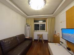 北巷小区 4室2厅140m²普通装修二手房效果图