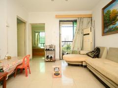 中兆花园 3室2厅81.51m²精装修,客厅出阳台二手房效果图