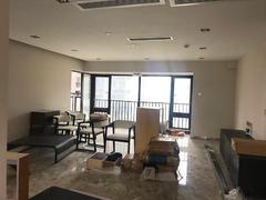 香山美墅云邸 精装修保养好,标准4房,高楼层视野开阔出租房效果图