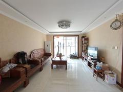 李沧万达广场公馆 3室2厅1厨2卫 143.5m² 精致装修二手房效果图