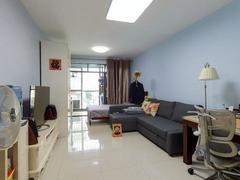荔馨国际公寓 精装修一房一厅,业主诚心出售,看上价格可谈