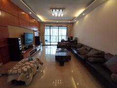 金地梅陇镇 中高楼层 108平3房 装修保养好 全齐家私有钥匙租房效果图