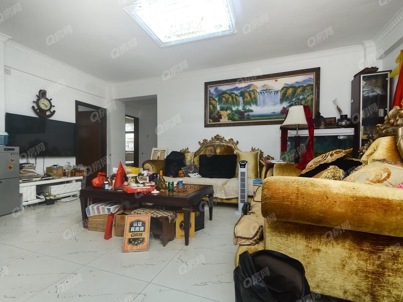 名城国际 龙岗布吉大芬地铁三居室诚心出售此房满五年红本