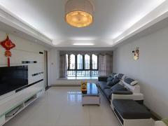 中海塞纳时光 4室2厅137m²满五年二手房效果图