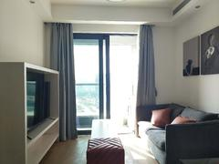 <b class=redBold>万科云城六期</b> 整租精装修两房,家私全齐,随时入住